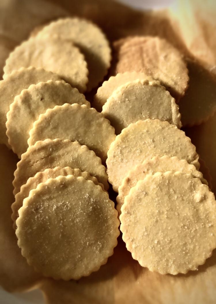 Sea salt keto crackers